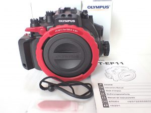 中古水中カメラ用品 オリンパス E-M1用防水プロテクターPT-EP11