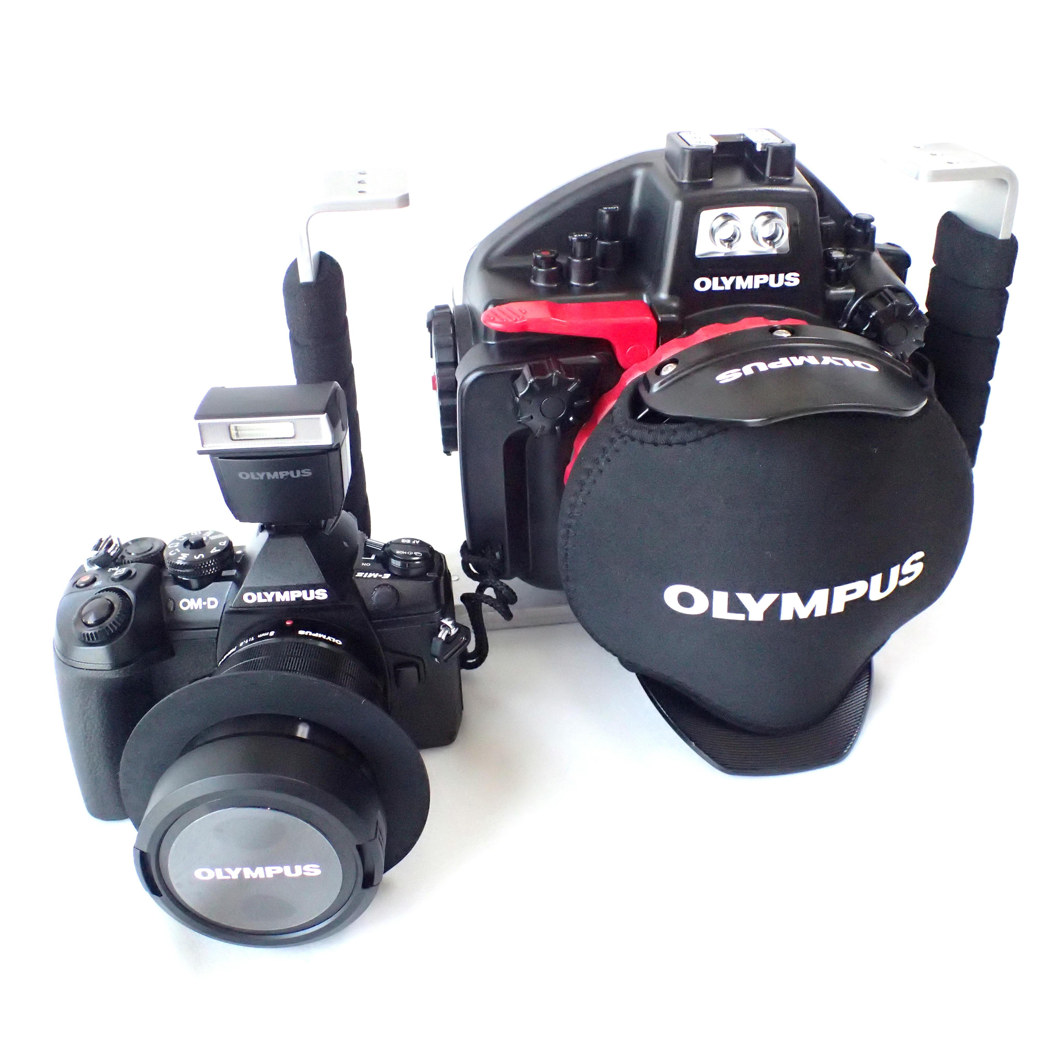オリンパス ミラーレス一眼カメラ防水プロテクター(ハウジング)対応用のワイド専用ポートやマクロ専用ポートを取り扱っています。 コンパクトデジタルカメラ Tough(TGシリーズ)の防水プロテクター(ハウジング)用のワイドコンバージョンレンズ、マクロレンズを取り扱っています。 オリンパス防水プロテクター用に開発されたMPBKグリップ(ブラケット)やMPアームを取り扱っています。