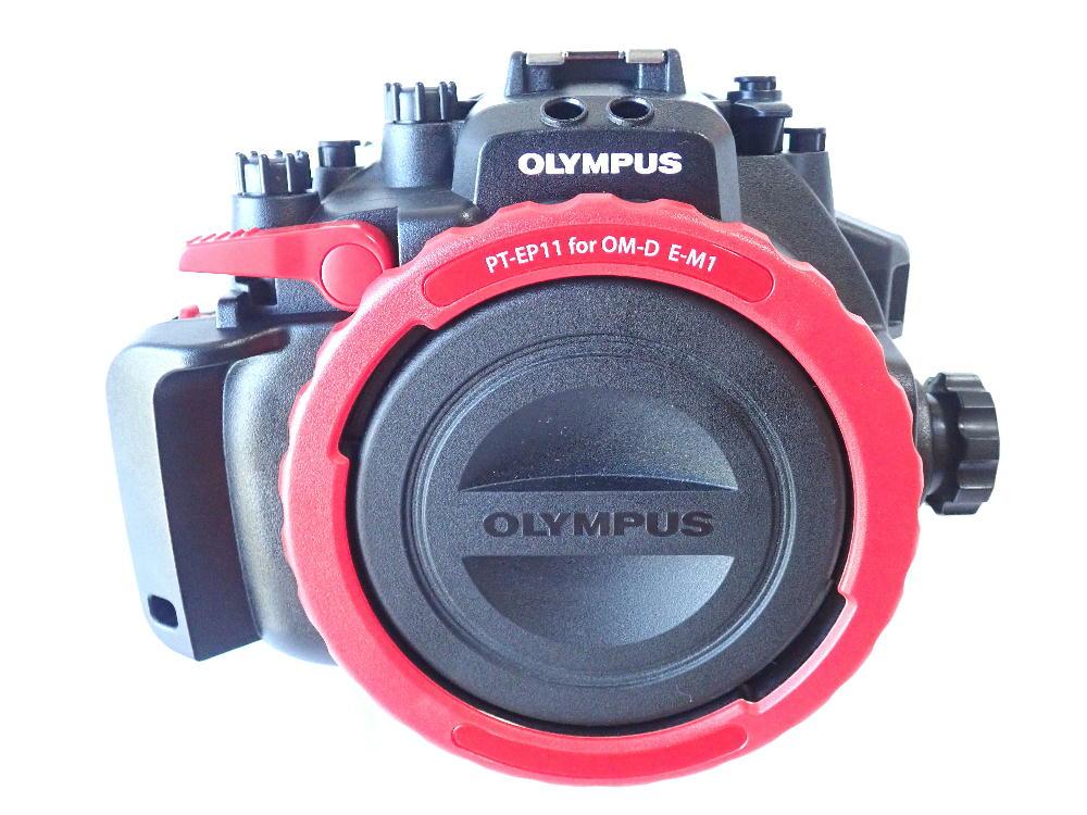 中古水中カメラ機材と中古ダイビング器材